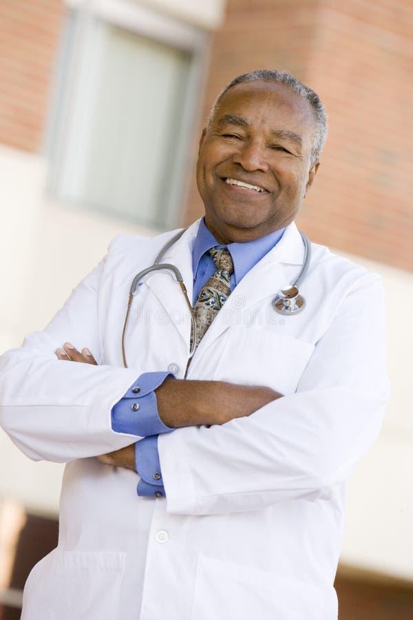 doktor szpitala poza pozycji zdjęcie royalty free