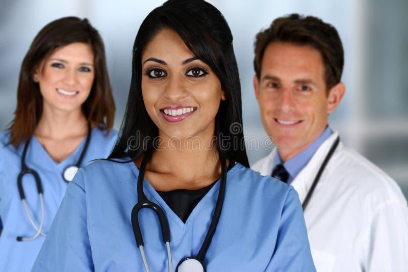 Doktoren und Krankenschwester lizenzfreies stockbild
