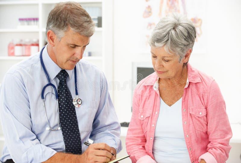 doktorski żeński pacjent zdjęcia stock