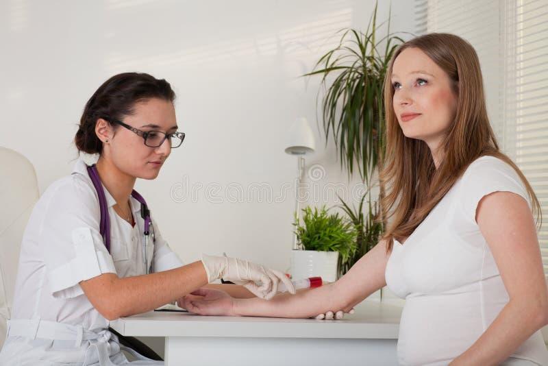 doktorski kobieta w ciąży obraz royalty free