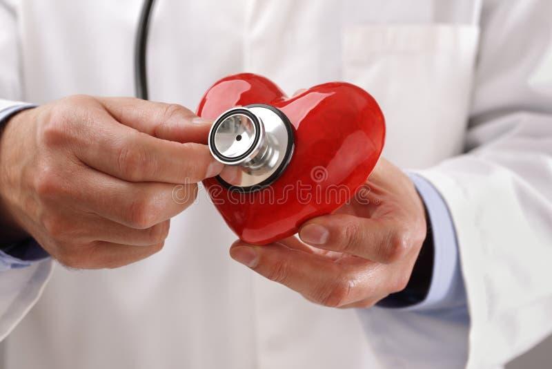 Doktorski mienia serce fotografia stock