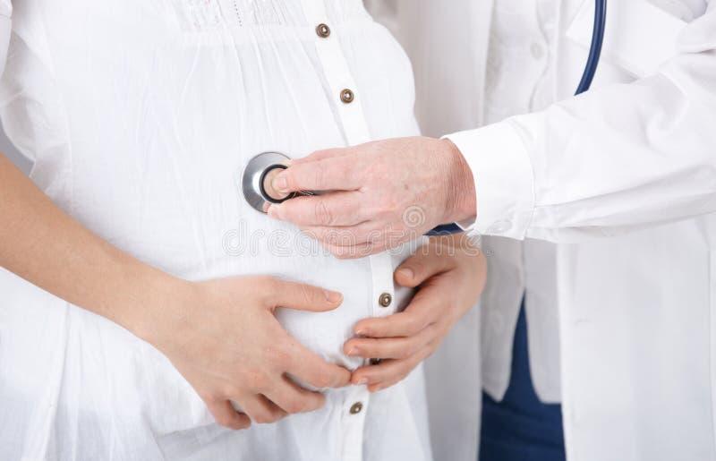 doktorski target225_0_ kobieta w ciąży zdjęcie stock