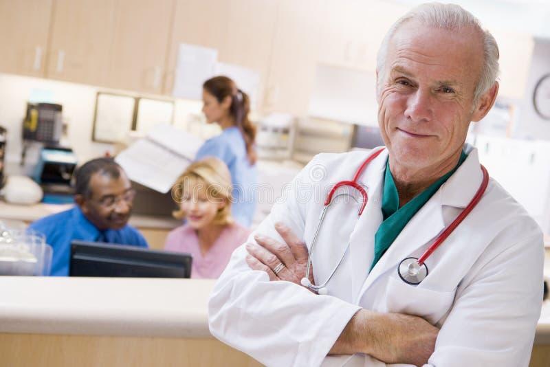 doktorssjuksköterskamottagande royaltyfri bild