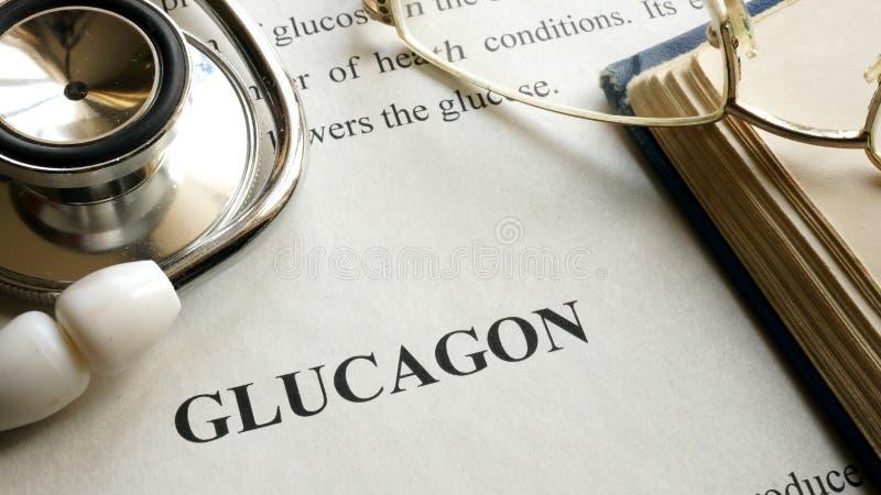 Dokument mit Titel Glucagon auf einer Tabelle lizenzfreie stockfotos