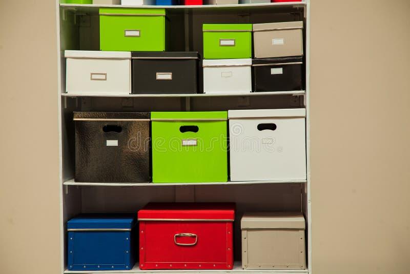Dokumentacja stojak z pudełkami obraz royalty free