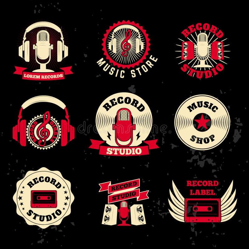 Dokumentacyjne studio etykietki Starego stylu mikrofon, hełmofony, kaseta royalty ilustracja