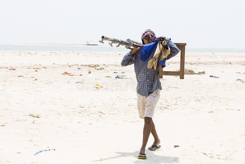 Dokumentalny artykuł wstępny DANUSHKODI, PAMBAN wyspa, tamil nadu INDIA, Marzec około, -, 2018 Niezidentyfikowani mężczyzna na pl fotografia royalty free