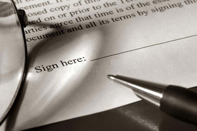 dokumentu atramentu legalny pióro przygotowywający znak zdjęcie royalty free