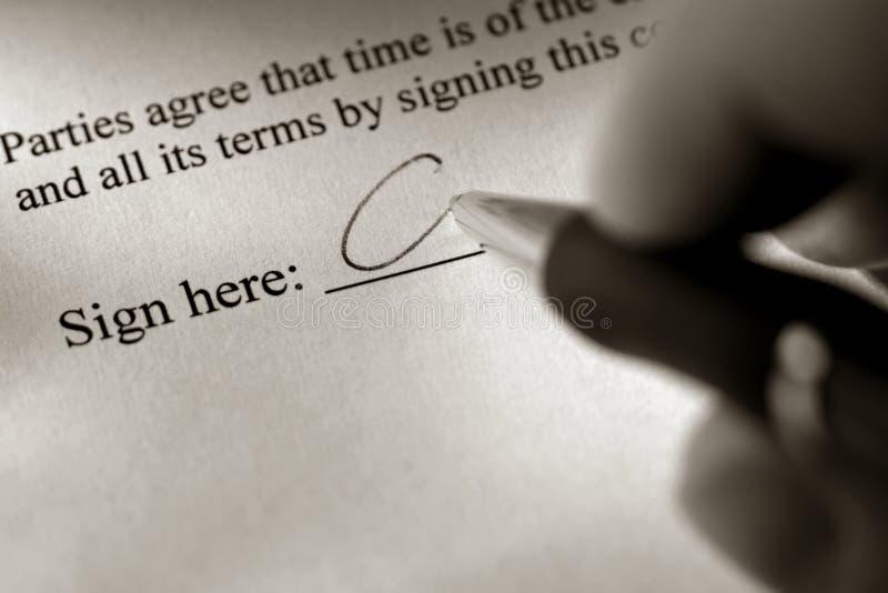 dokumentu ręki tutaj atramentu linia znaka podpisywanie obrazy stock
