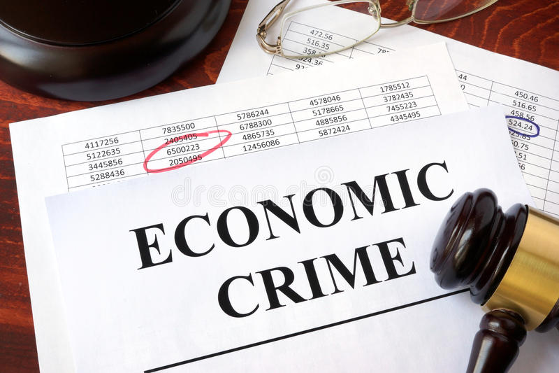 Dokumenty z tytułowym Ekonomicznym przestępstwem zdjęcia royalty free