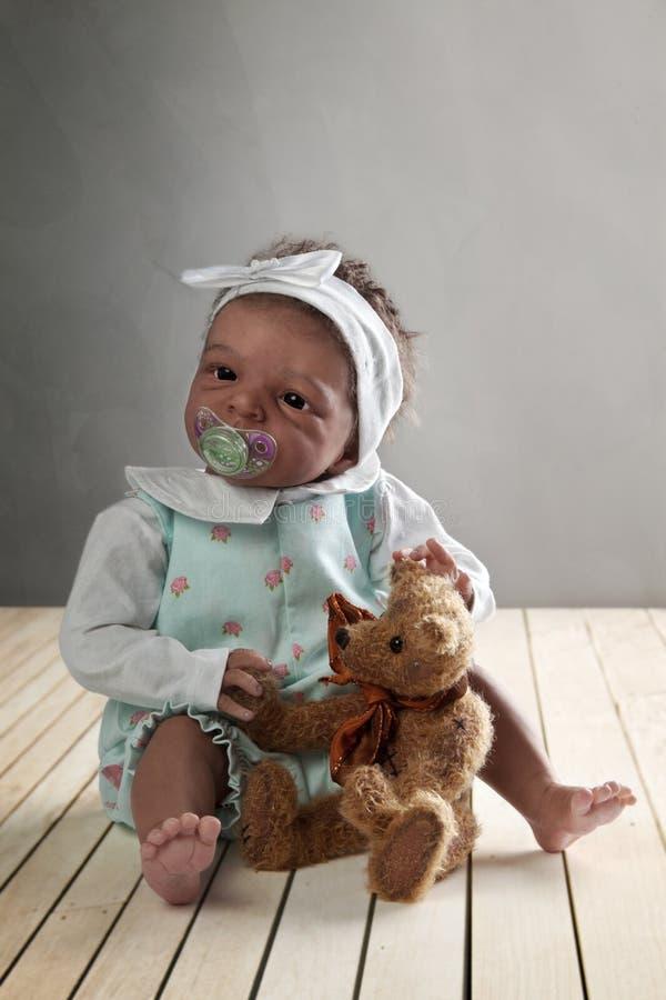 dol младенца афроамериканца стоковая фотография rf