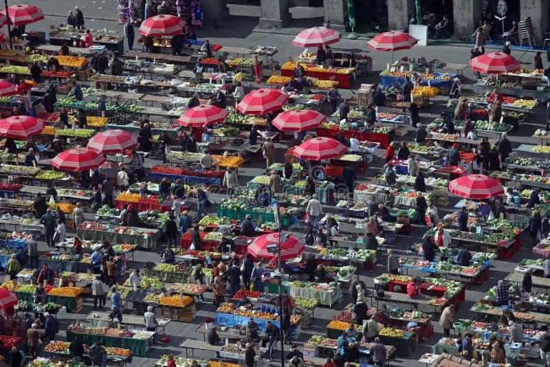Download Dolac Targowy Zagreb, Chorwacja Obraz Editorial - Obraz złożonej z zakup, parasole: 28970850