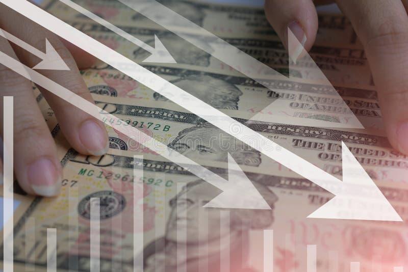 dolar ameryka?ski waluty kropla w z?ej sytuacji lub zmniejszanie obrazy stock