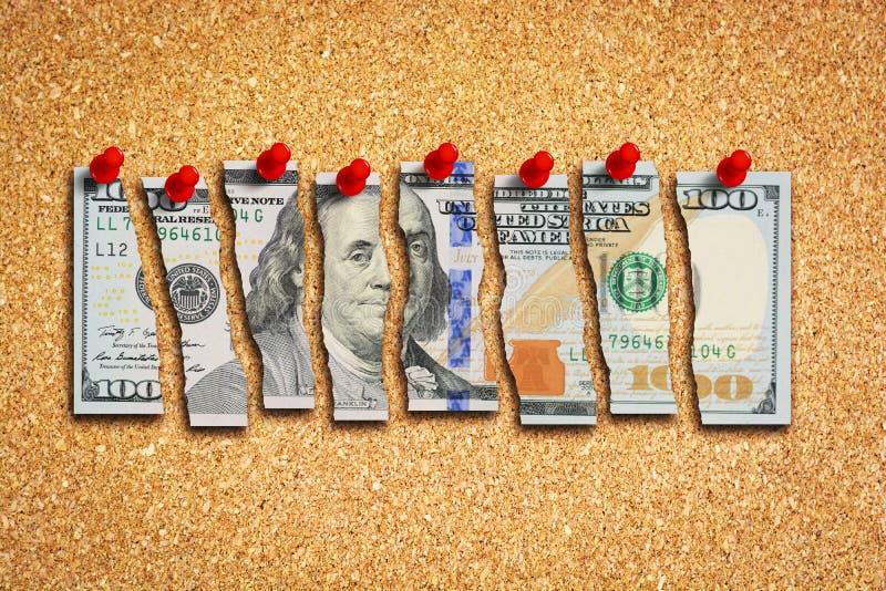Dolarowego rachunku cięcie w dużo składa sugerować USA gospodarki problemów pojęcie obraz royalty free