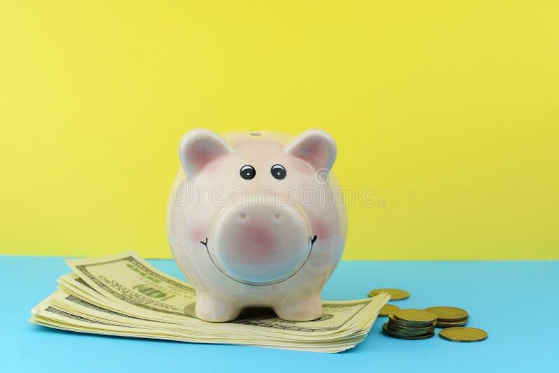 Dolary banknotów dla inwestycji zdjęcia royalty free