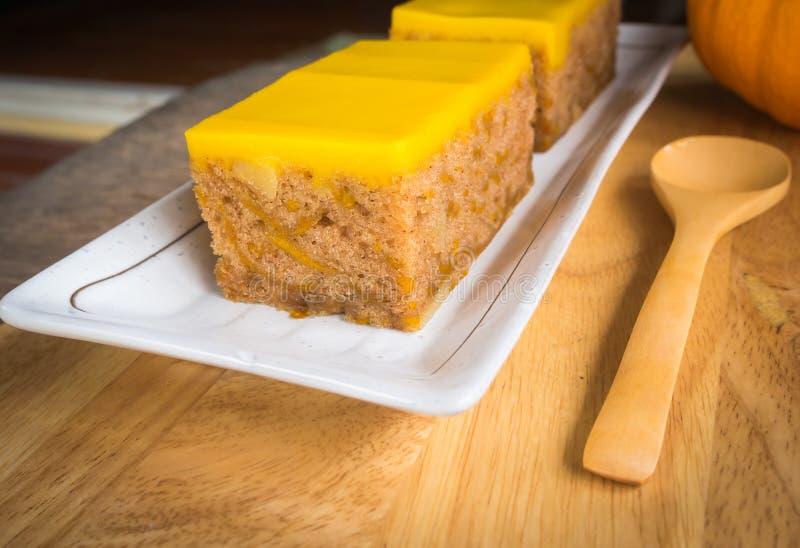 Download Dolce immagine stock. Immagine di verdura, pane, dessert - 55364813