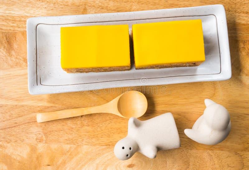 Download Dolce immagine stock. Immagine di fresco, yellow, cucinato - 55365017