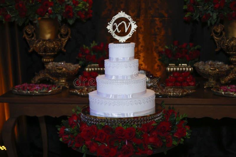 Dolce del partito, torta di compleanno di 15 anni, quindici anni immagini stock