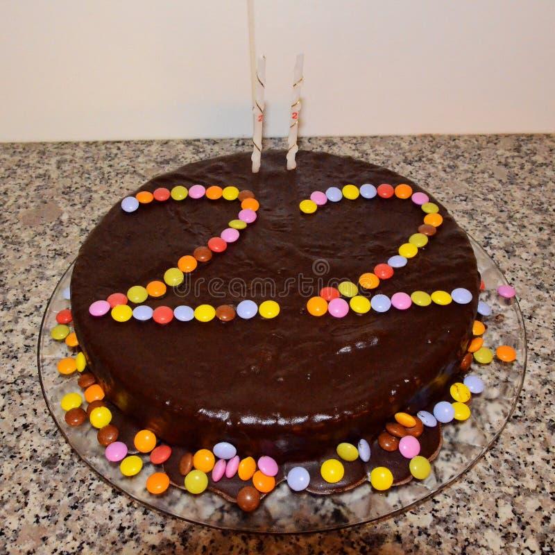 Dolce di cioccolato di compleanno immagini stock