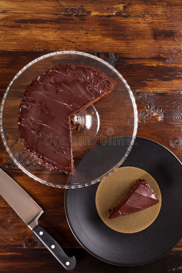 Dolce di cioccolato delizioso di Sacher Vista superiore immagine stock libera da diritti
