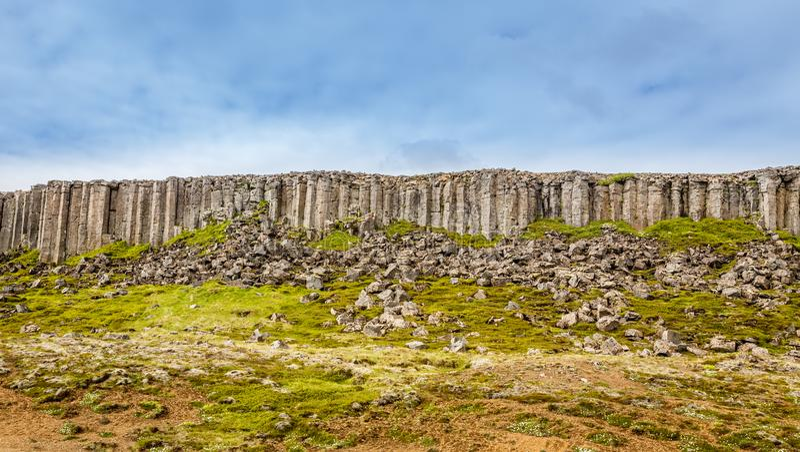 Dolerite Gerduberg σχηματισμός βράχου βασαλτών απότομων βράχων, Snæfellsnes, στοκ φωτογραφία