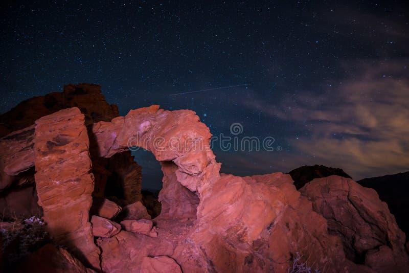 Dolina ogień przy nocą obraz stock