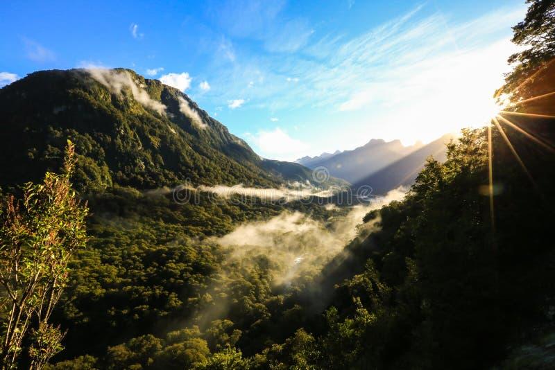 Dolina przy wschodem słońca zdjęcia royalty free
