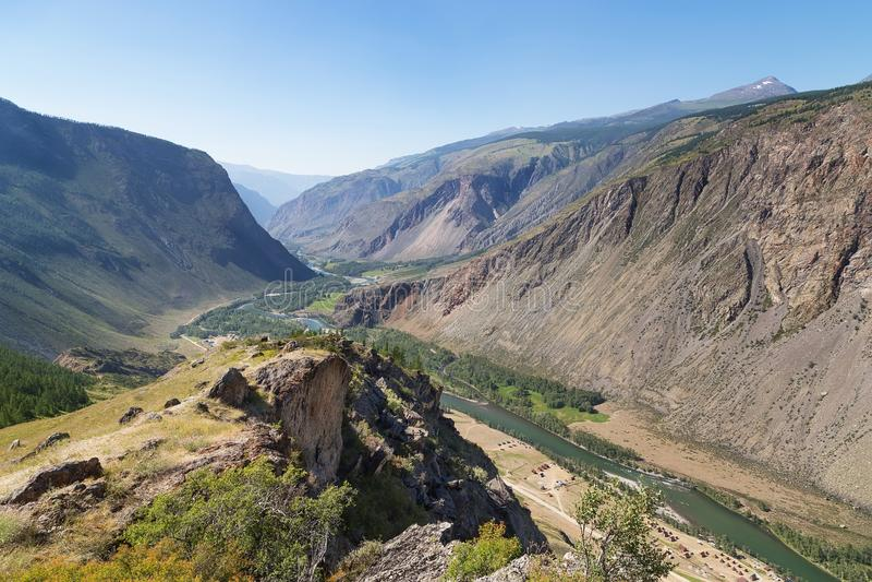 Dolinna Chulymshan rzeka, Gorny Altai, Rosja obraz stock