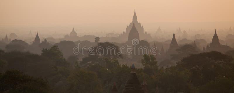 dolinni pagoda tysiące fotografia stock