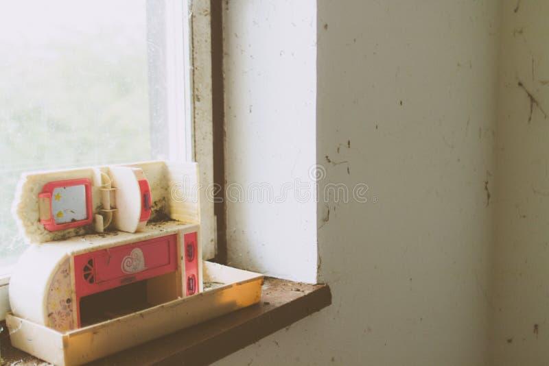 doll& x27; cocina de s foto de archivo