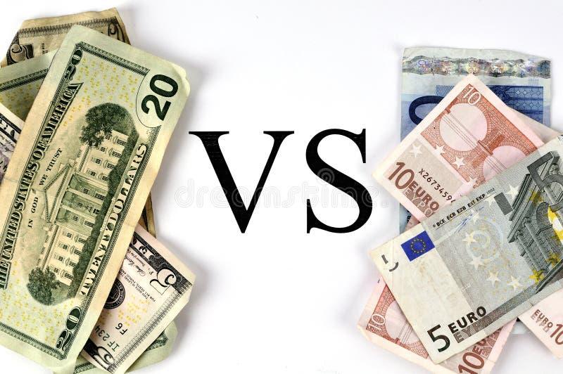 Dollar tegenover Euro royalty-vrije stock afbeeldingen
