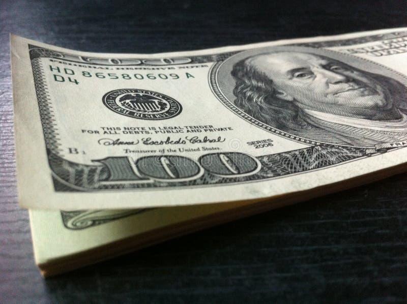 dollari sulla tabella fotografia stock