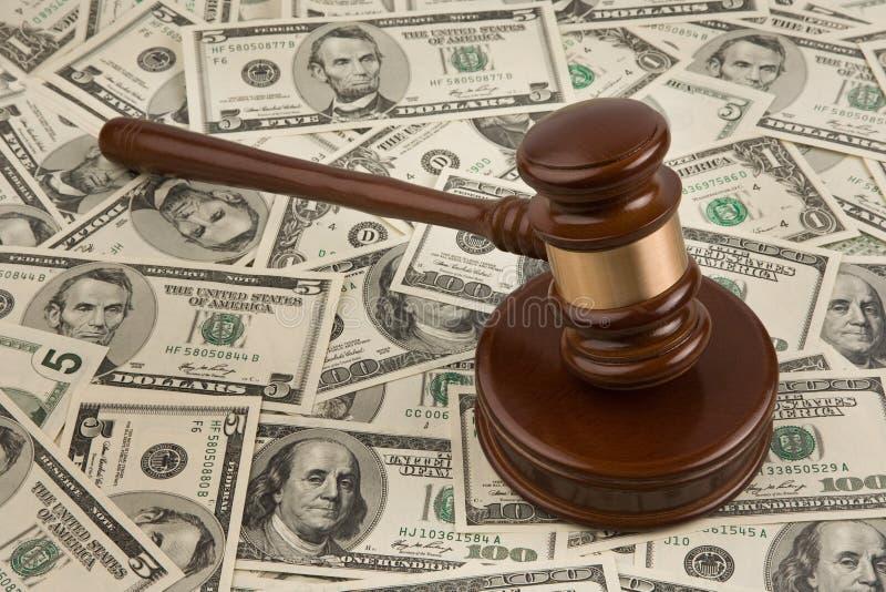 Dollaro e martelletto fotografie stock libere da diritti
