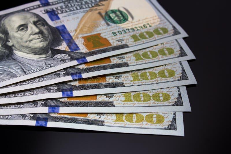 Dollarräkningar royaltyfria bilder