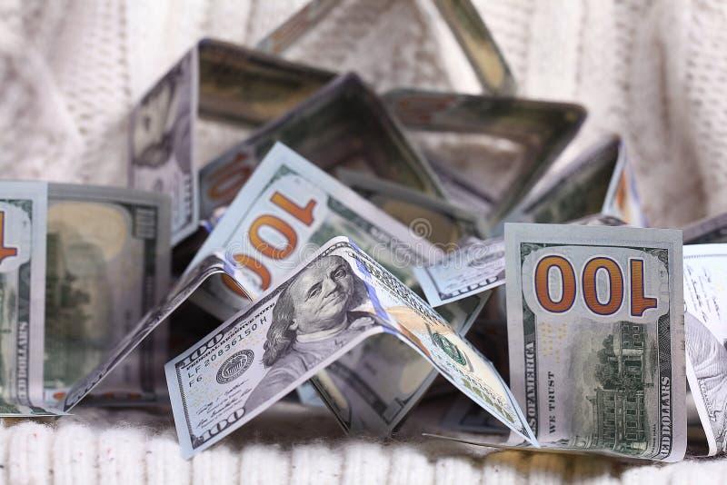 Dollars in contant geldstapel stock foto's