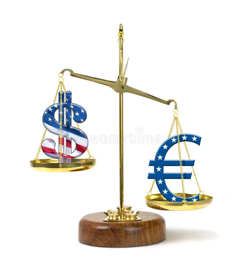 Dollarsymbol Vereinigter Staaten überwogen durch ein Eurosymbol auf einer Goldskala, die eine stärkere Eurowährung darstellt stockfotografie