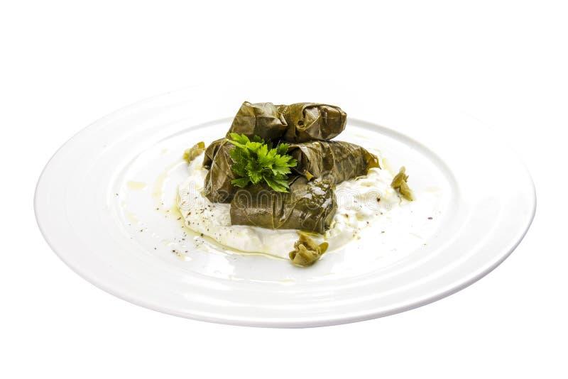 Dolma - foglie di uva farcita con riso e carne Cucina caucasica, dell'ottomano, turca e greca tradizionale immagini stock