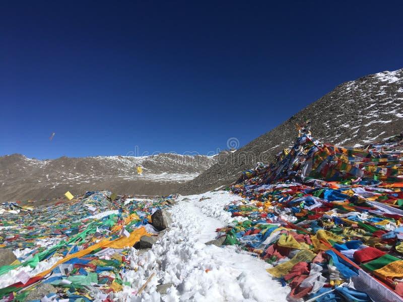 Dolma Lapasserande - montering Kailash Kora i vår i Tibet i Kina royaltyfria foton