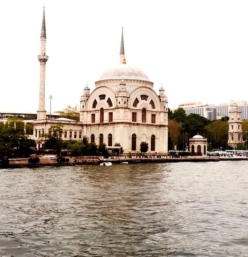 Dolmabahçe-Moschee stockfoto