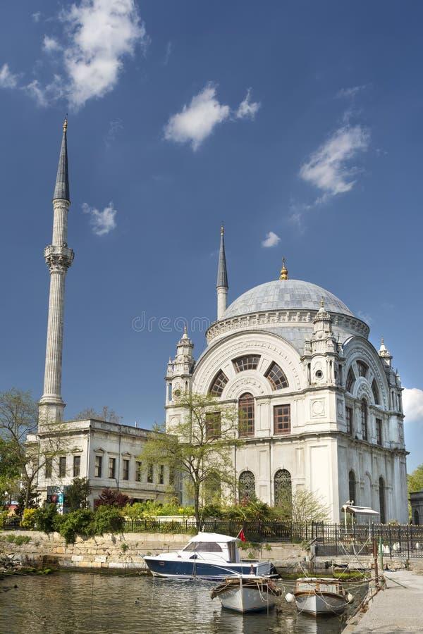 Dolmabahce-Moschee, Istanbul, die Türkei lizenzfreies stockfoto
