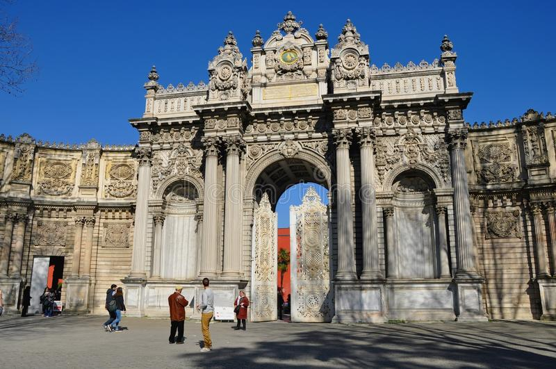 Download Dolmabahce palace editorial photo. Image of gate, empire - 39512786