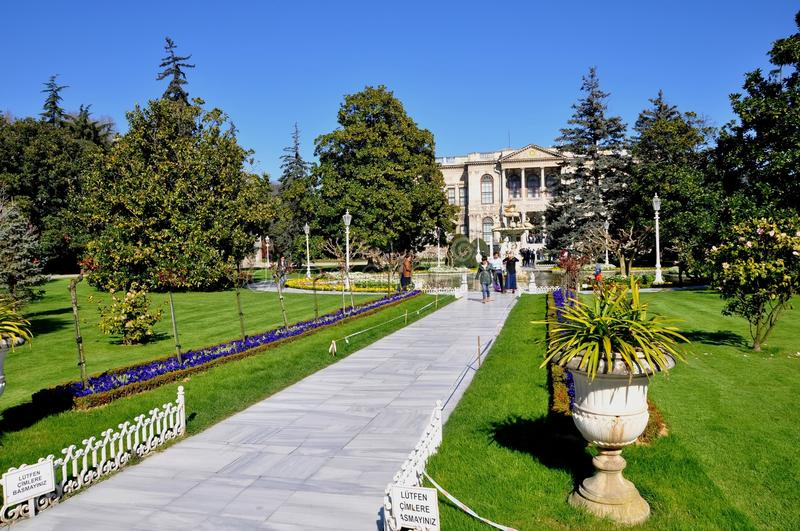 Download Dolmabahce palace editorial photography. Image of marmara - 39512812
