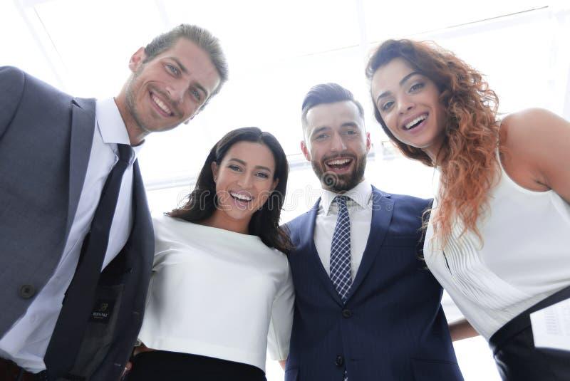 Dolny widok ludzie sukcesu grup przedsiębiorstw obrazy royalty free