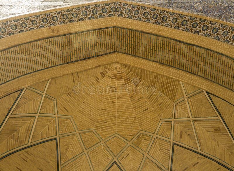 Dolny widok poi kalon meczet w Bukhara, Uzbekistan zdjęcie stock