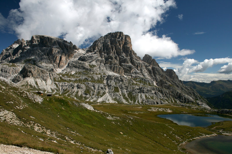 Download Dolomia fotografia stock. Immagine di tarn, dolomites - 3891910