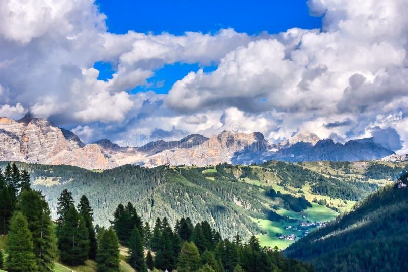 Dolomiet Itali? - Val Gardena - Passo Sella stock foto