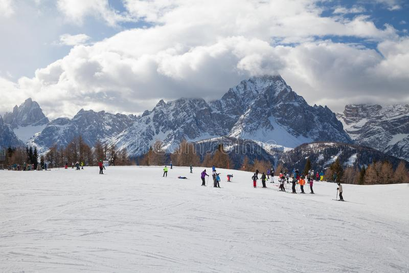 Dolomitów Alps, Włochy - Halny narciarstwo i jazda na snowboardzie Sexten Sesto, Puster dolina, Południowy Tyrol fotografia royalty free