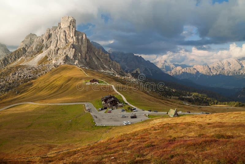 Dolomitów Alps przy zmierzchem, Belluno, Włochy Niedaleki Cortina d ` Ampezzo zdjęcia royalty free