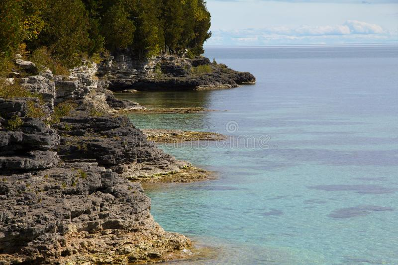 Dolomite Shoreline of Cave Point Park, Door County royalty free stock photos