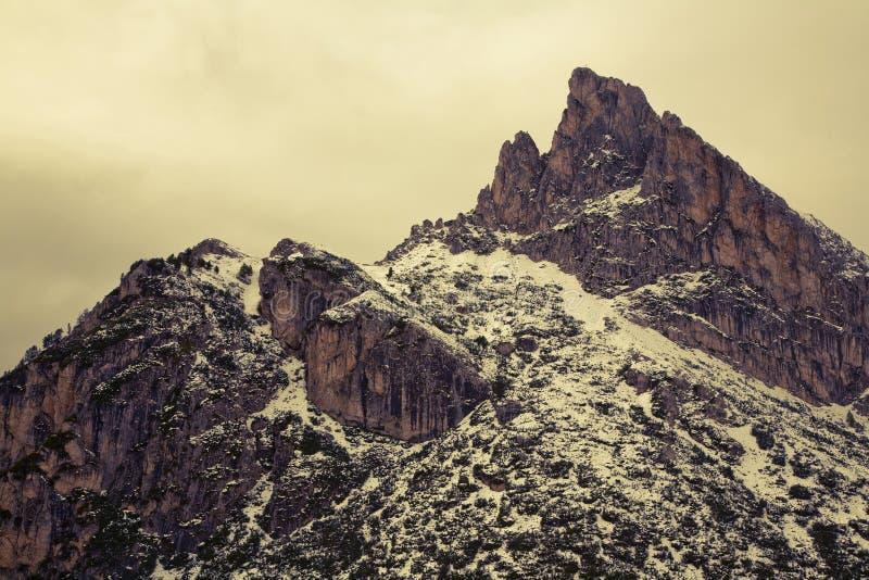 Download Dolomites do inverno foto de stock. Imagem de frio, escala - 16852542